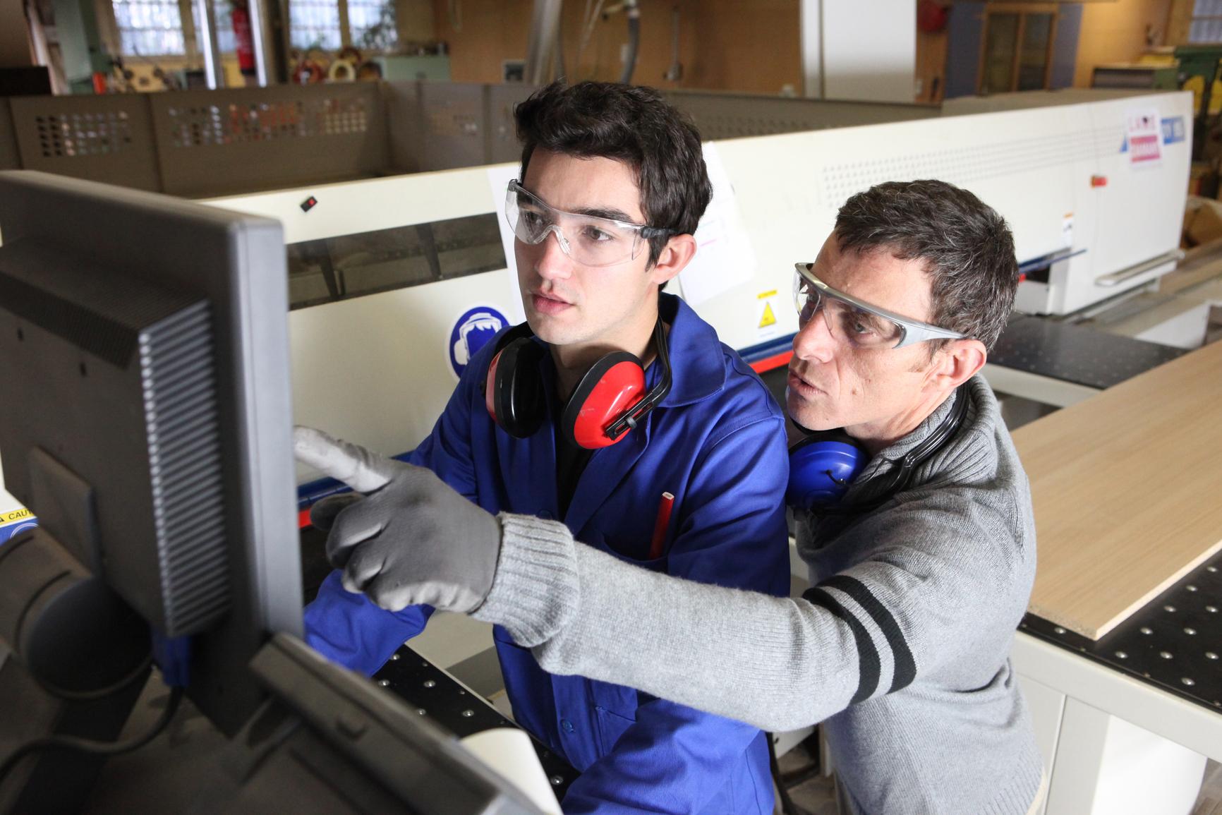 Alphabétisation en milieu de travail : clé de voûte de la croissance inclusive au Canada